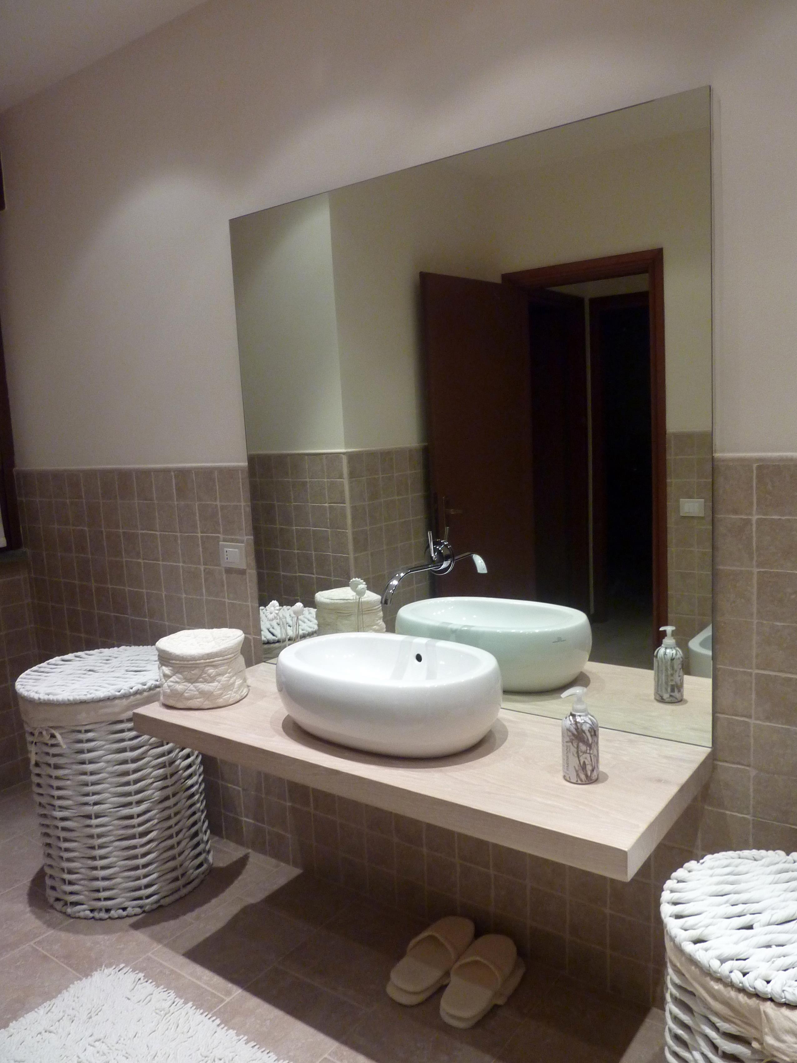 Bagno - Specchio con mensola bagno ...
