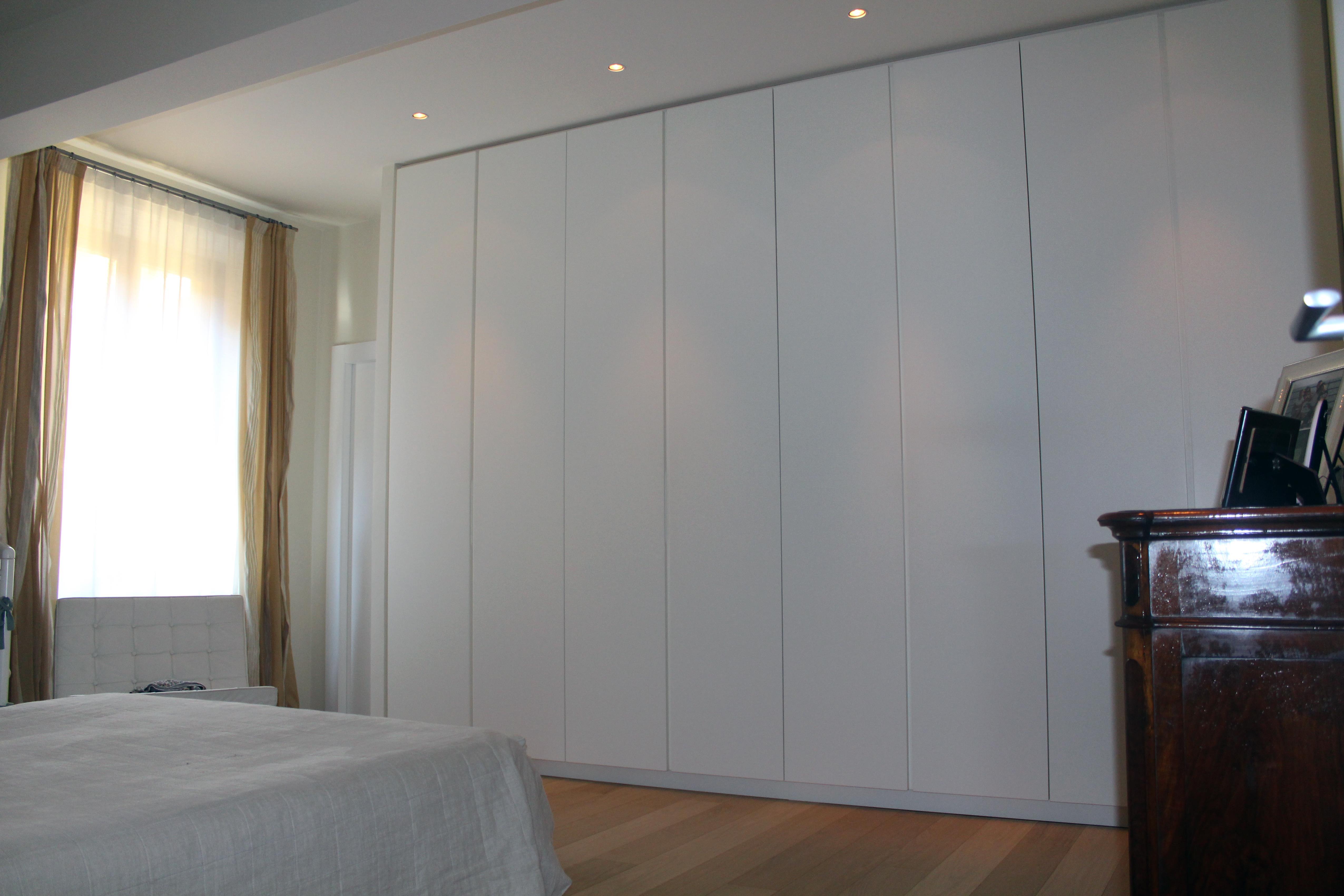 Armadi design moderno mobili camera da letto design for Armani arredamenti