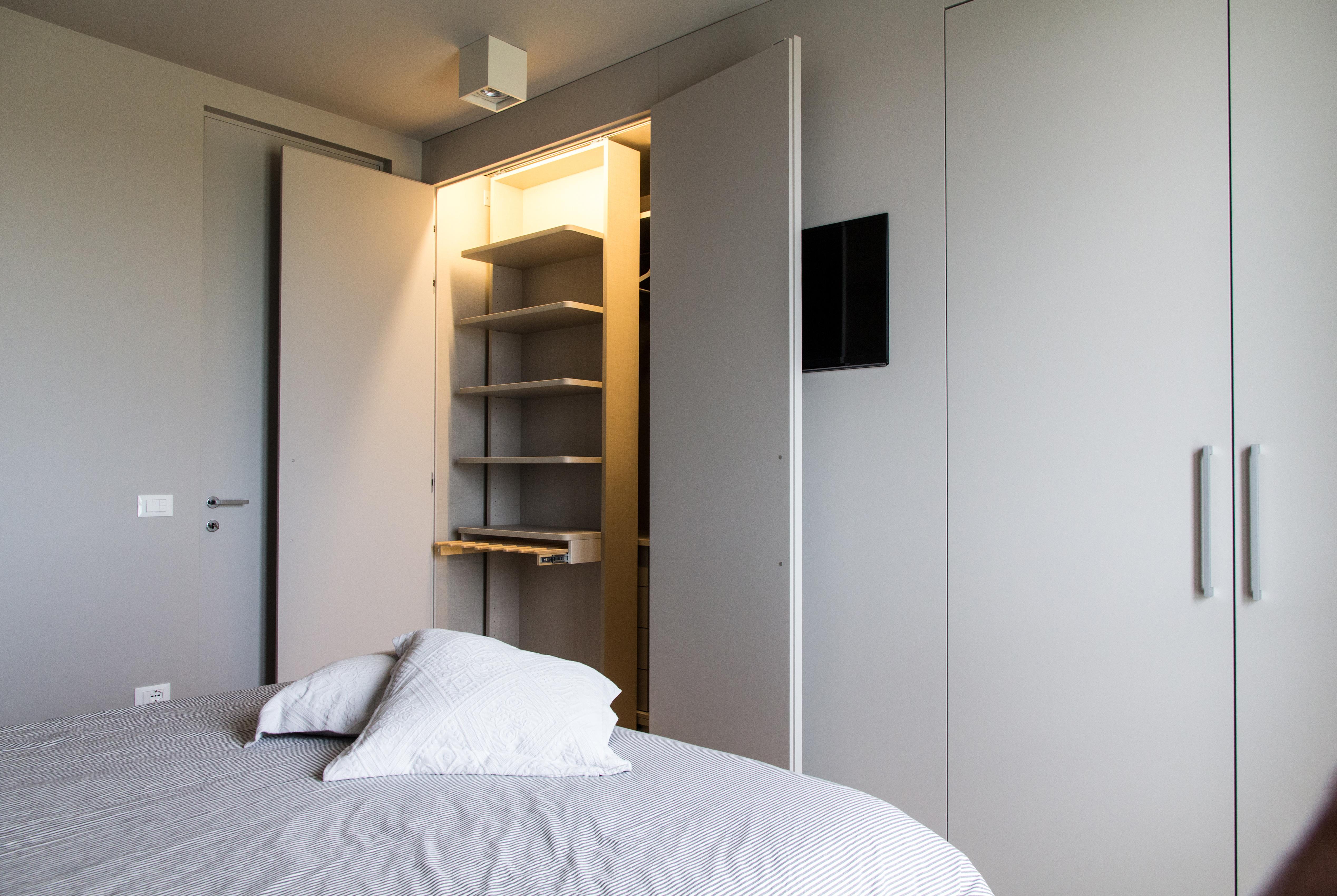 Armadi - Camera da letto moderno ...