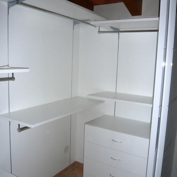 Armadi design moderno armadio vertical in offerta with for Camera da letto in stile cabina