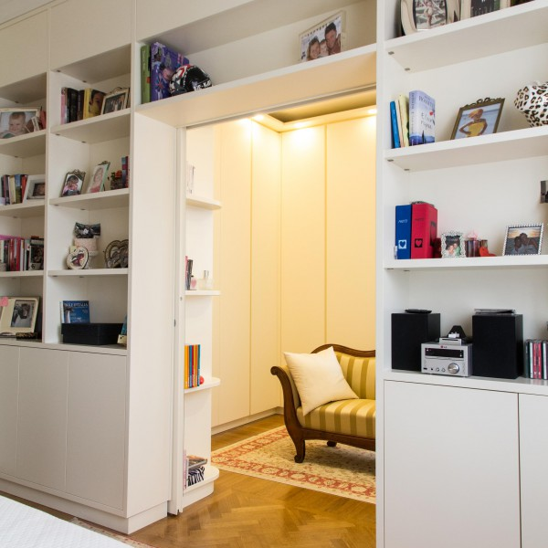 Arredamento camera da letto con cabina armadio - Libreria per camera da letto ...