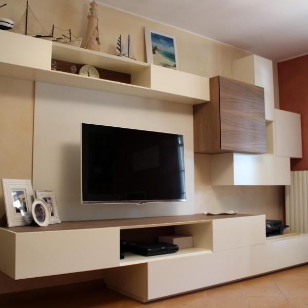 Composizione Mobili Soggiorno: Composizione mobili soggiorno a Maiolati Spontini Kijiji.