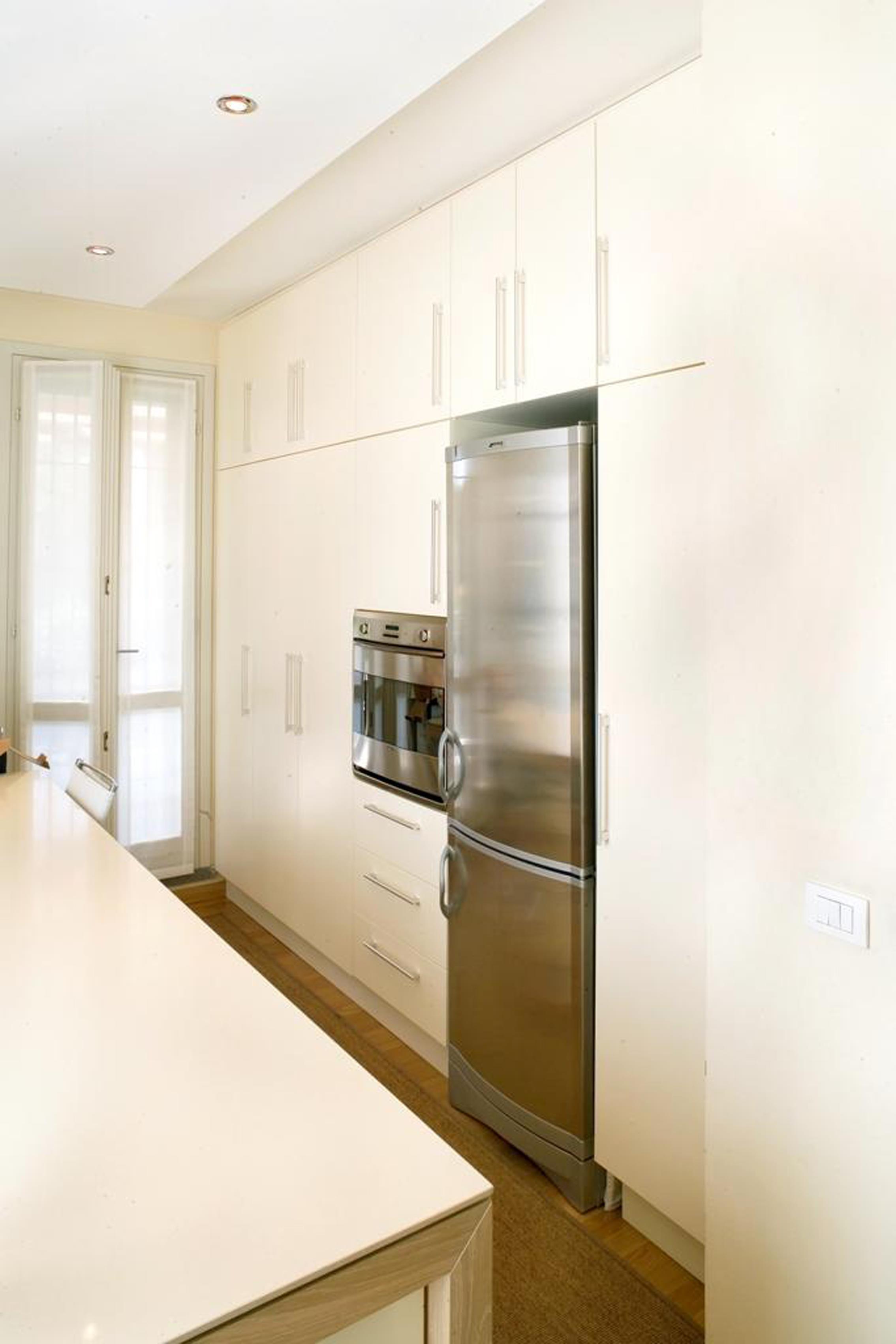 52 Cucina Stile Classico Con Basi Pensili E Colenne Laccate Piano Top  #664816 2269 3402 Top Cucina Corian O Quarzo