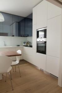 piano top cucina in corian glacier white con lavello integrato, design fc arredamenti