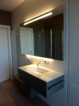 piano top bagno in corian glacier white con lavello integrato, design fc arredamenti